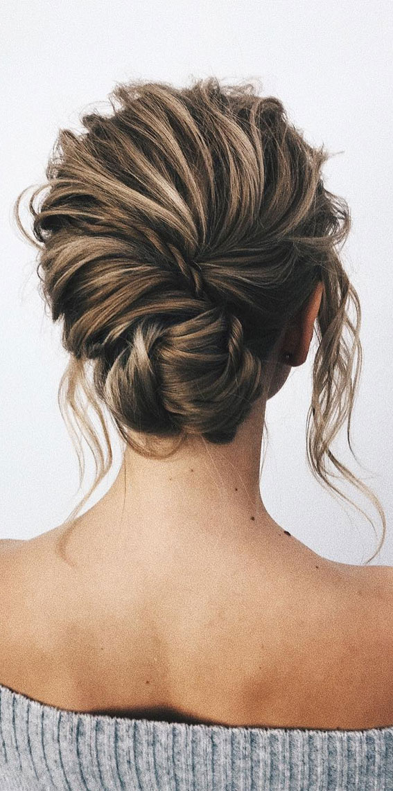 Trendiest Updos For Medium Length Hair To Inspire New Looks : Textured updo