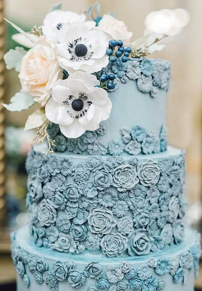 The 50 Most Beautiful Wedding Cakes – Dusty wedding cake adorned with sugar flowers