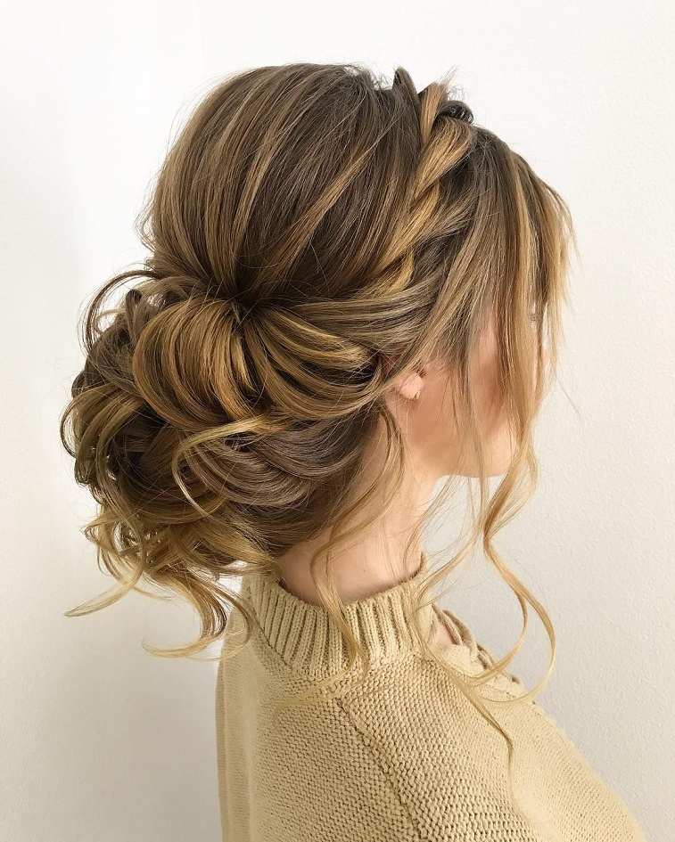 Twisted wedding updos for medium length hair,wedding updos,updo hairstyles,prom hairstyles #updos #hairstyles #bridehair #weddinghairstyles