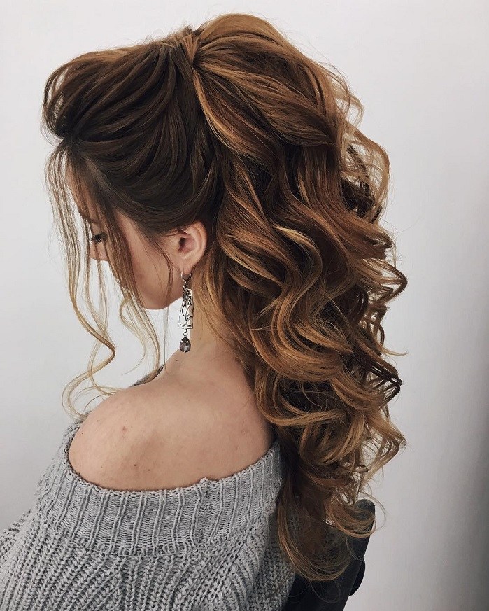 11 Gorgeous hairstyles for WAVY HAIR that perfect for any occasion - half up half down hairstyle #hairstyle #weddinghair #promhairstyle #prom #wedding .hair down wedding hairstyle , wedding hairstyles ,chignon , swept back hairstyles ,bridal hairstyle ideas #wedding #weddinghair #weddinghairstyles #hairstyles #updo