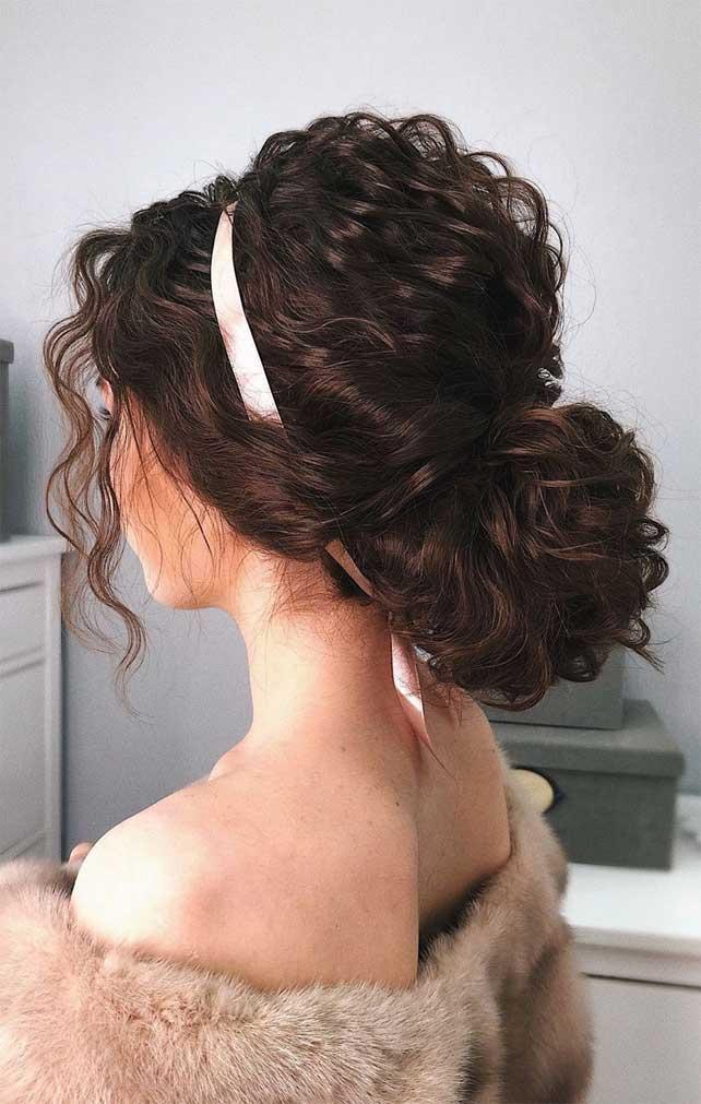 Unique wedding updo hairstyle, messy updo bridal hairstyle,updo hairstyles ,wedding hairstyles #weddinghair #hairstyles #updo #hairupstyle #chignon #braids #simplebun