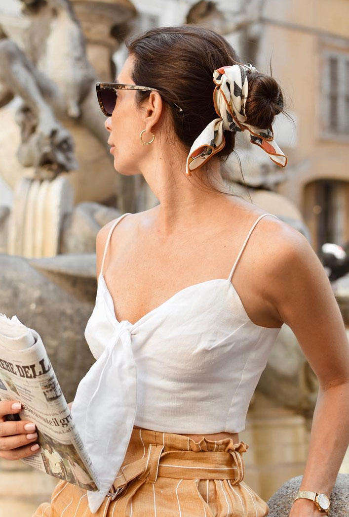 21 pretty ways to wear a scarf in your hair, easy hairstyle with scarf , hairstyles for really hot weather #hairstyle