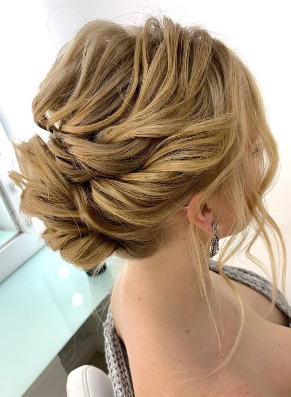 Gorgeous wedding updo hairstyles perfect for ceremony and reception - Classic Elegant wedding hairstyle ,Braid bridal hairstyles #weddinghair #hairstyles #updo #bridalhair #promhairstyle #texturedupdo #messyupdo