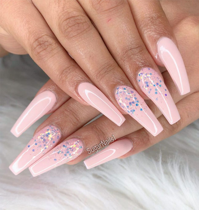 40 Fabulous Nail Designs That Are Totally in Season Right Now - clear nail art designs,almond nail art design, acrylic nail art, nail designs with glitter #nail #nailart #acrylic