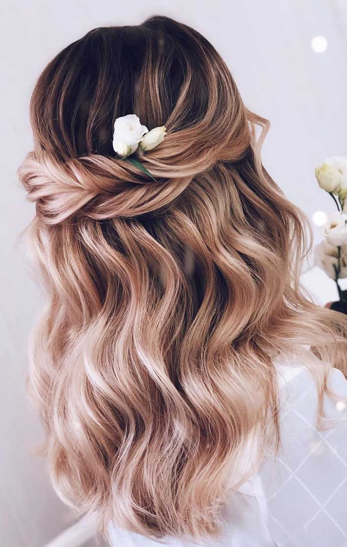 43 Gorgeous Half Up Half Down Hairstyles That Perfect For A Rustic Wedding