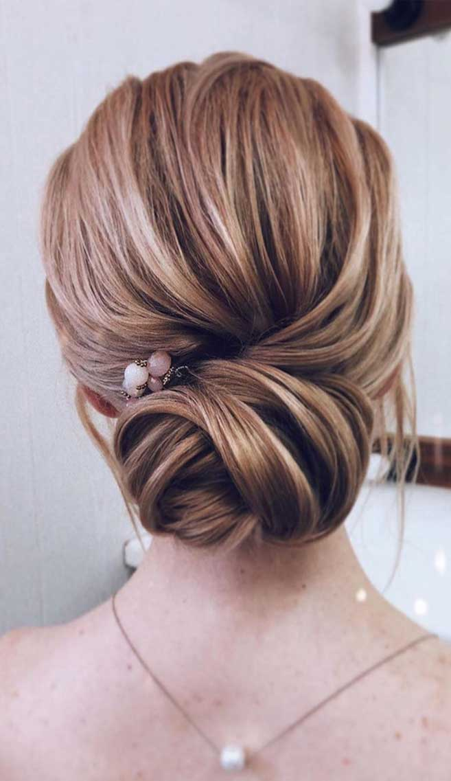 64 Chic updo hairstyles for wedding and any occasion - updo hairstyle for date night , wedding updo , bridal updo hairstyle #hair #hairstyle #updo