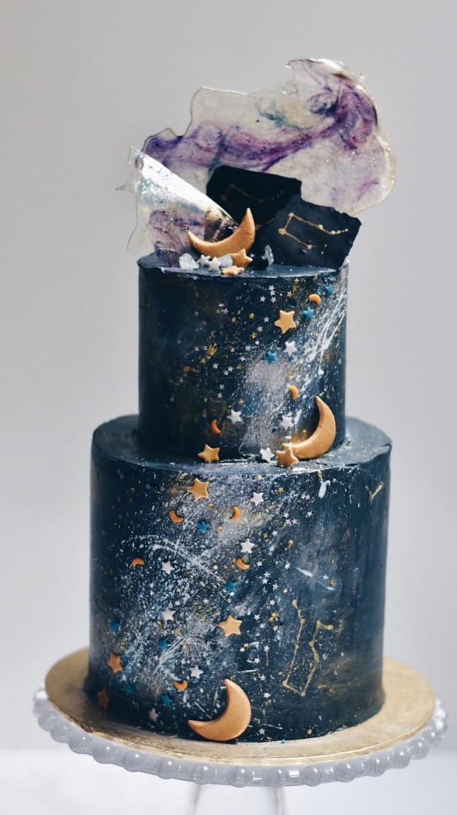 Beautiful Wedding Cake, wedding cake ideas,celestial wedding cake,moon and stars wedding cake , pretty wedding cake #wedding #weddingcake #cake #celestialweddingcake