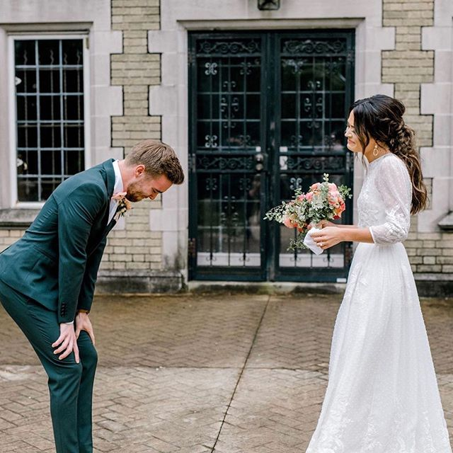 First Look Wedding Photos – These 72 Adorable Photos Are So Touching