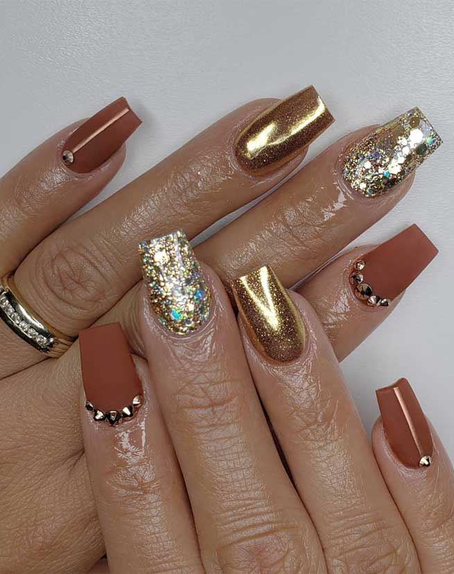 Try These Fashionable Nail Ideas That'll Boost Your Fall Mood