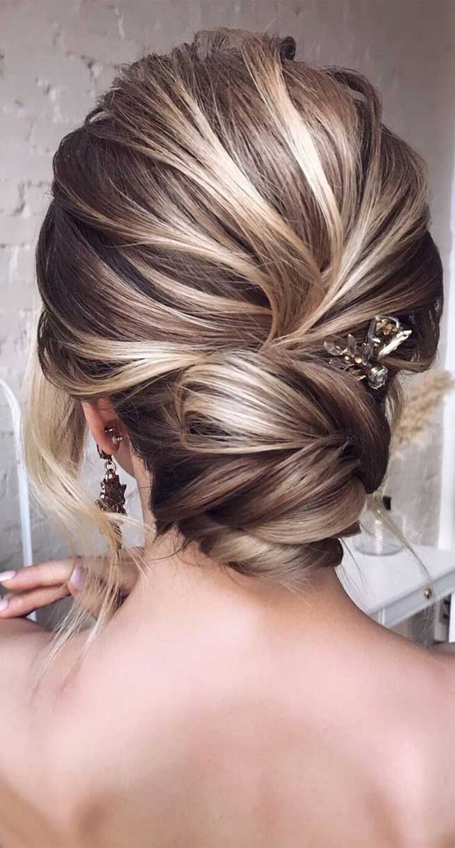 11 Chic Updo Hairstyles For Wedding And Any Occasion