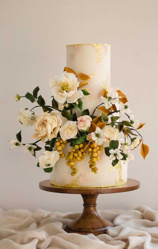 beautiful wedding cakes #weddingcakes #cakedesigns