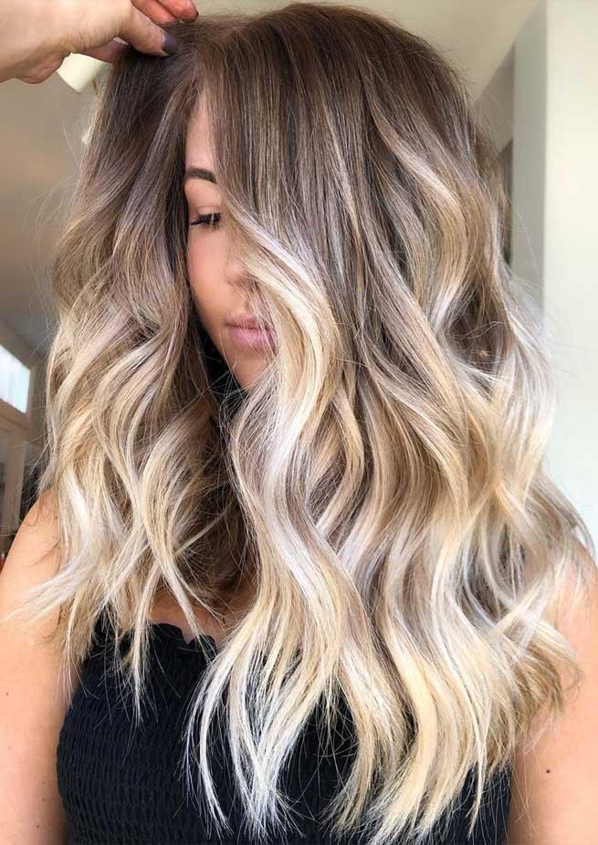 winter hair color ideas, brown hair colors , hair colors 2020, blonde hair colors, balayage colors, balayage brunette, balayage brown, caramel balayage, balayage blonde, dark blonde balayage, mushroom balayage, mushroom brown balayage
