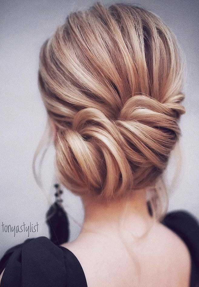 Gorgeous Wedding Updo Hairstyle To Inspire You