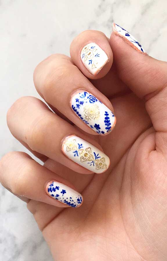 These pretty nails are just perfect for Spring