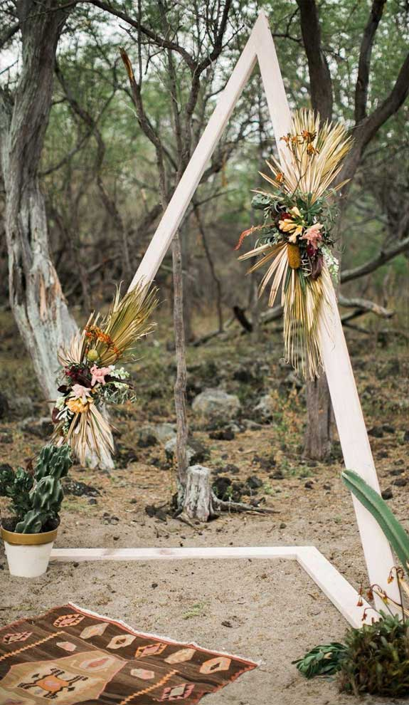 These Fab Boho Wedding Altars, Arches and Backdrops that make us swoon 11
