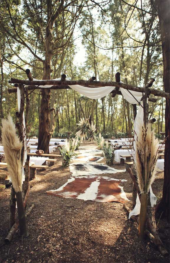 These Fab Boho Wedding Altars, Arches and Backdrops that make us swoon 15