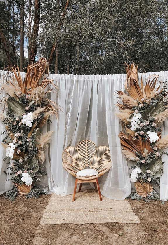 These Fab Boho Wedding Altars, Arches and Backdrops that make us swoon 10