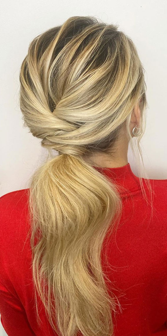 Gorgeous ponytail hairstyle to complete your look this spring & summer : cute ponytail