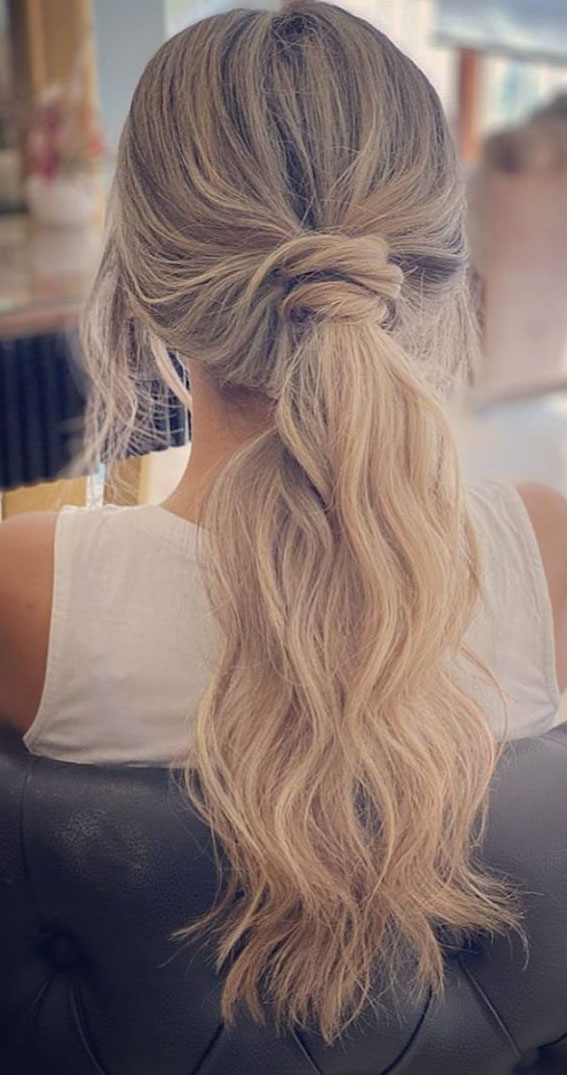 Gorgeous ponytail hairstyle to complete your look this spring & summer : blonde