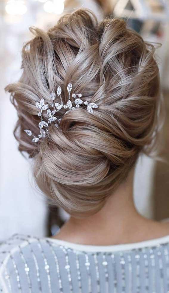 Best Bridal Hair Ideas 2020 Wedding Hairstyles Textured Updo