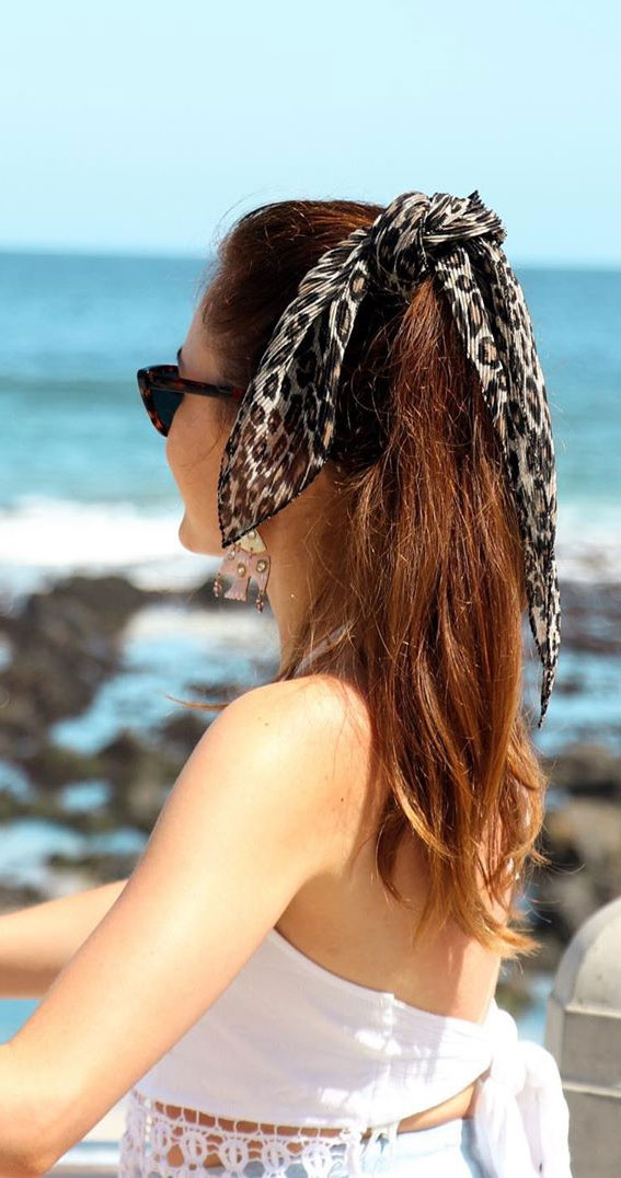 39 Pretty Ways Spice Up Your Boring Outfits With Hair Scarves : Leopard hairscarf