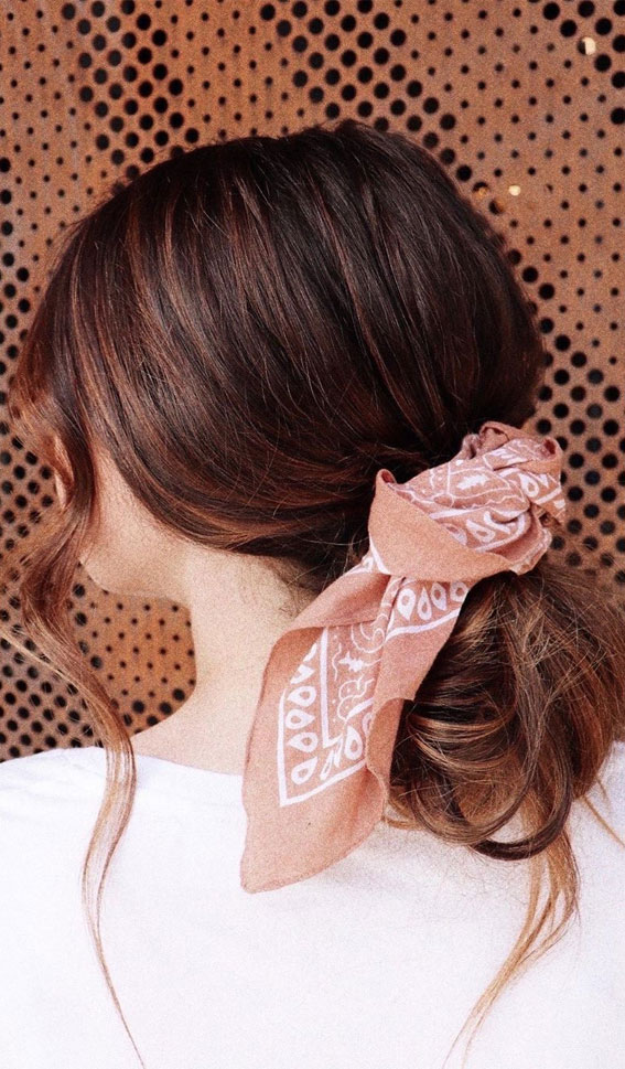 39 Pretty Ways Spice Up Your Boring Outfits With Hair Scarves – simple hair do