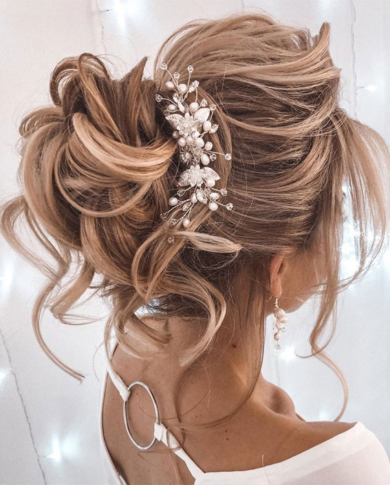 Gorgeous Updos For Medium Hair To Inspire New Looks
