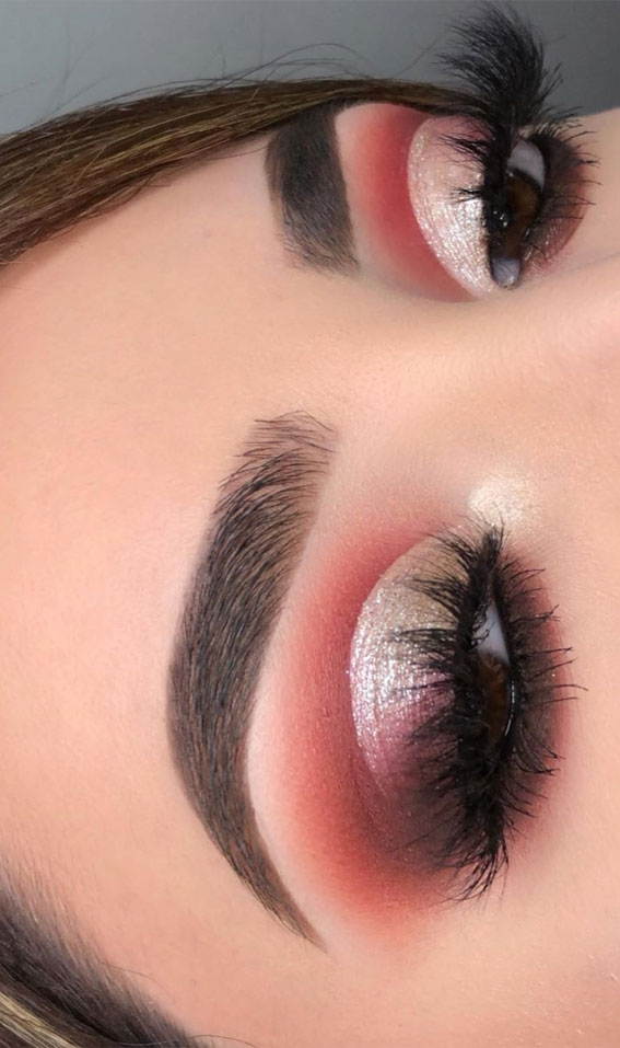 Gorgeous Eyeshadow Looks The Best Eye Makeup Trends – Glitter on Crease