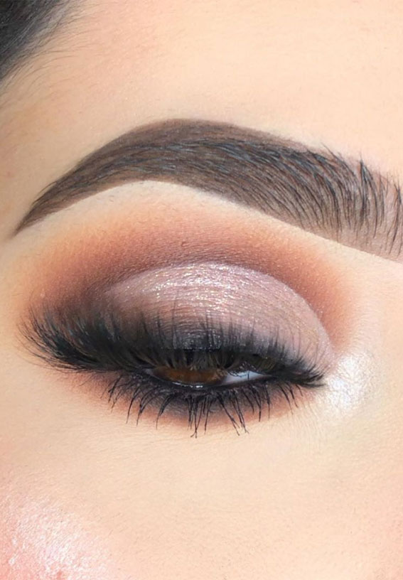 Gorgeous Eyeshadow Looks The Best Eye Makeup Trends – Smokey with cut crease