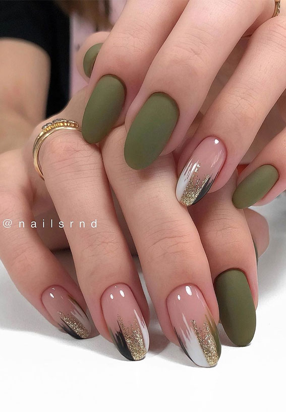 green nails, fall nails, fall nail art designs, autumn nails ideas, autumn nail ideas, green and blush nails #nails #fallnails