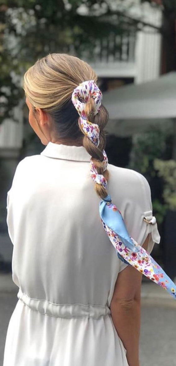 39 Pretty Ways Spice Up Your Boring Outfits With Hair Scarves – Braiding a scarf