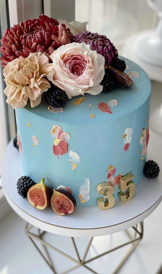 54 Jaw-Droppingly Beautiful Birthday Cake : Blue cake with fresh flowers