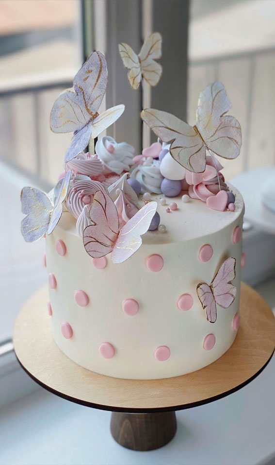 54 Jaw-Droppingly Beautiful Birthday Cake : Cake with balls & butterflies