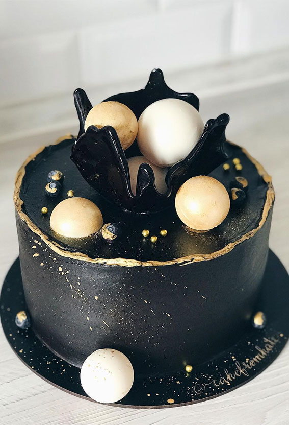 49 Cute Cake Ideas For Your Next Celebration : Black and gold cake