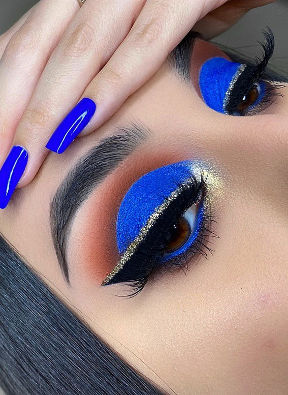 Gorgeous Eyeshadow Looks The Best Eye Makeup Trends – bright blue and gold winged