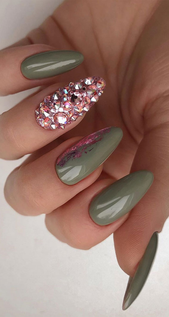 41 Pretty Nail Art Design Ideas To Jazz Up The Season : Glam Green Nails