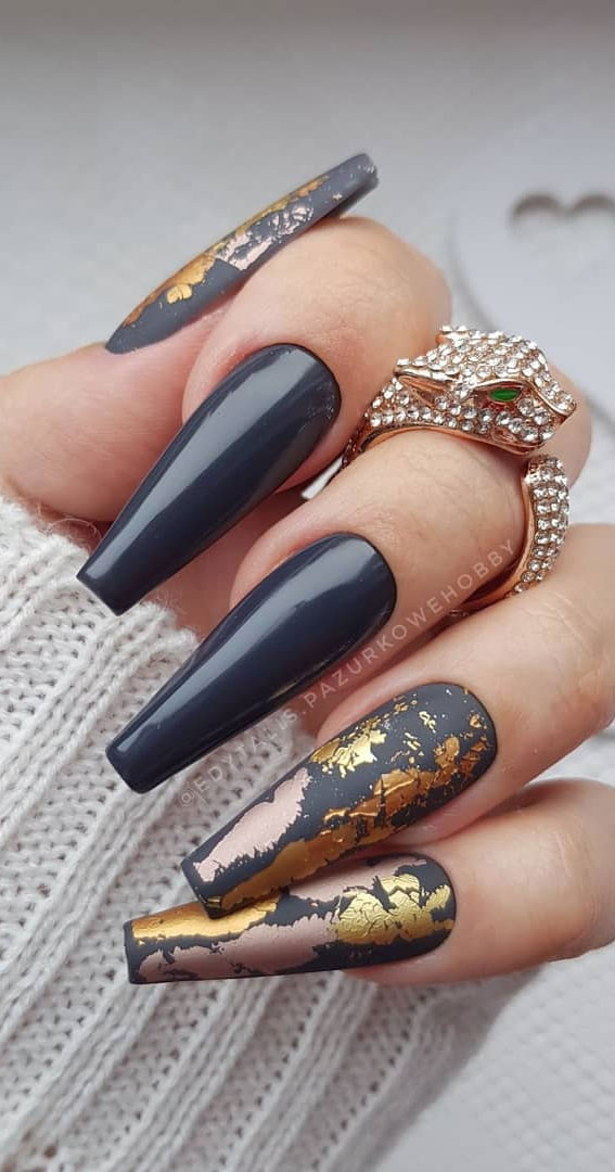Trendy Fall Nail Designs To Wear In 2020 : Dark blue with gold foil accent