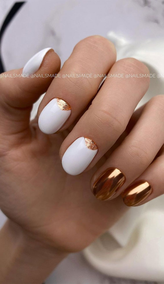 white and gold short nails, white and gold fall nails, trendy fall nails, mismatched nails, fall nails, mismatched fall nail art #fallnails #nailart #autumnnails autumn nail ideas