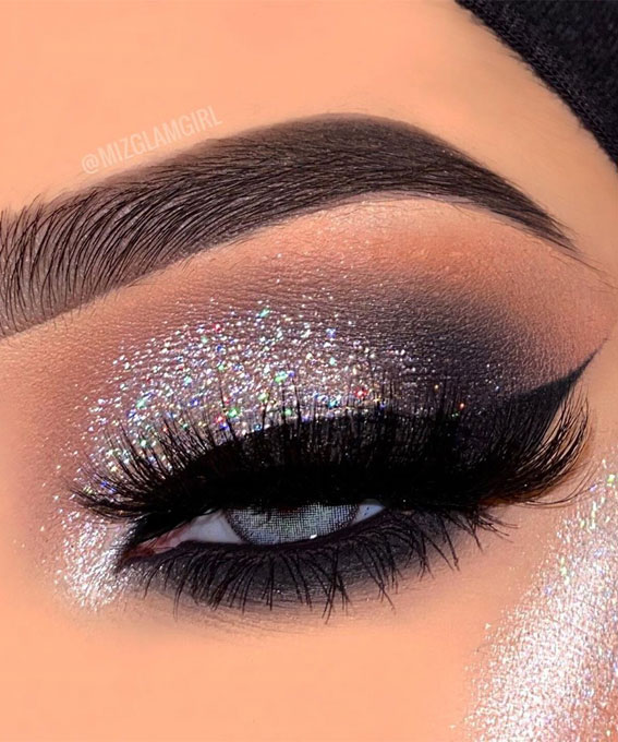 Gorgeous Eyeshadow Looks The Best Eye Makeup Trends – Shimmery icy grey