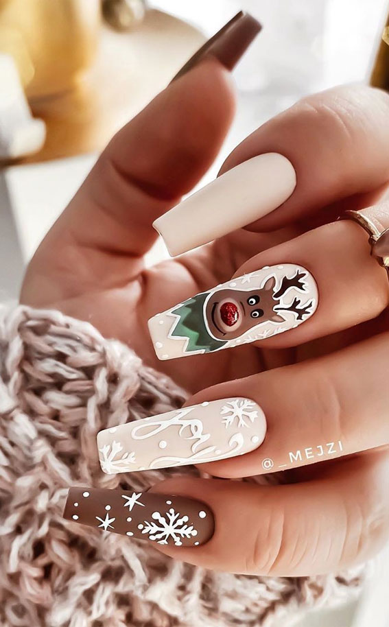 neutral christmas nails, joyful nails, christmas nails, christmas nails 2020, christmas nails designs, christmas nails designs 2020, christmas nail art designs 2020, festive nails , festive nails 2020