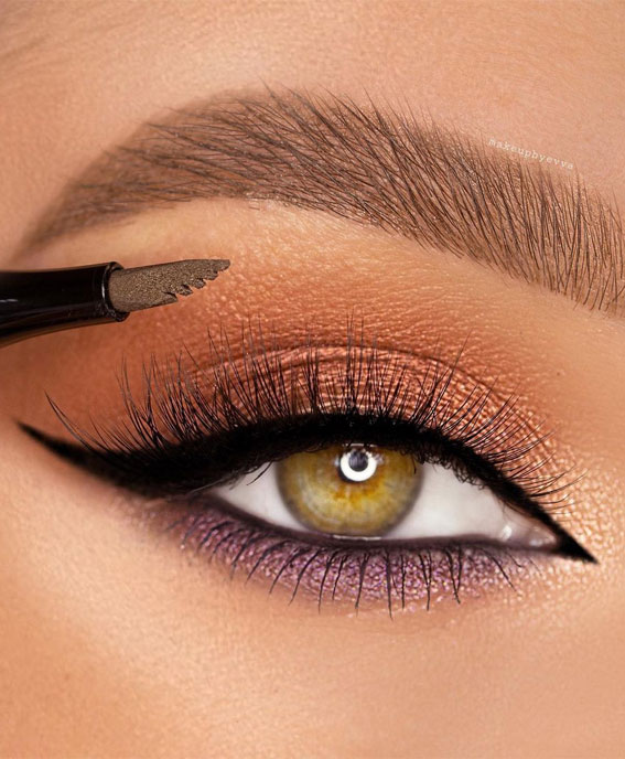 65 Pretty Eye Makeup Looks : Neutral and purple eye shadow