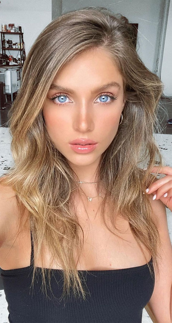 Cute Medium Length Haircuts & Hairstyles : Pretty Bronde Mid length
