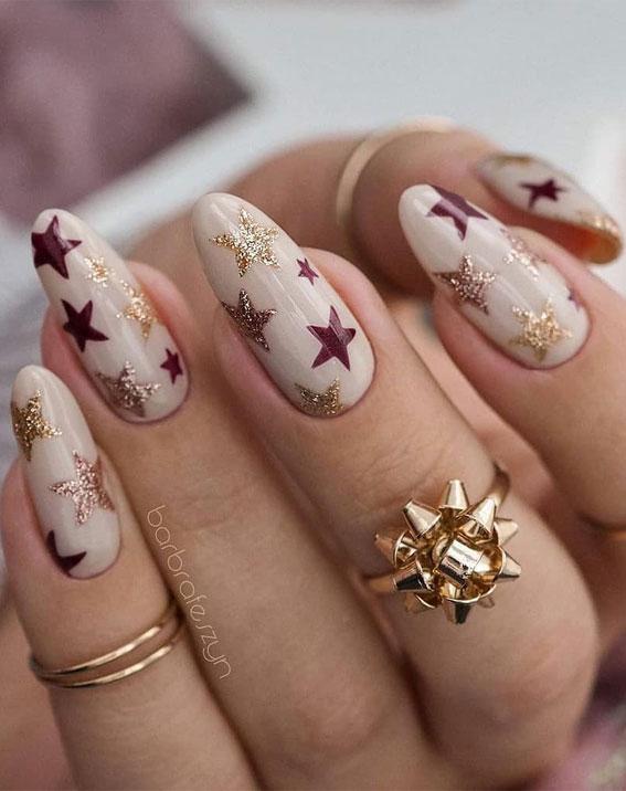 Pretty Festive Nail Colours & Designs 2020 : Star Christmas nails