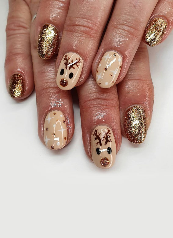 Pretty Festive Nail Colours & Designs 2020 : Nude and glitter gold Christmas nails