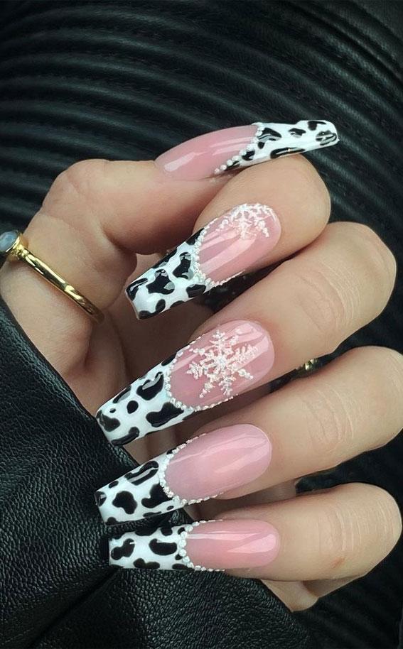 Pretty festive nail colours & designs 2020 : Christmas cow nails