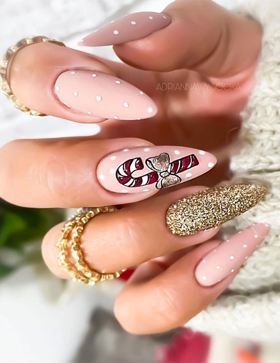 Pretty Festive Nail Colours & Designs 2020 : Gold Glitter and Pink Christmas nails