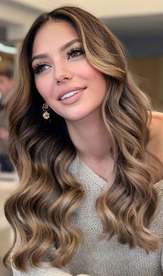 brown to blonde, brunette hair color ideas, brown hair with highlights, brown hair , brunette hair, brown hair color ideas, brunette balayage, hair color, fall hair color ideas #fallhaircolor #haircolor #balayage