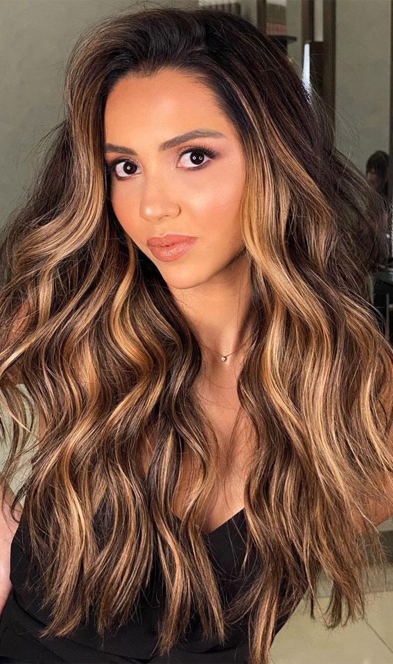 Gorgeous Hair Colour Trends For 2021 : Chestnut hair highlights