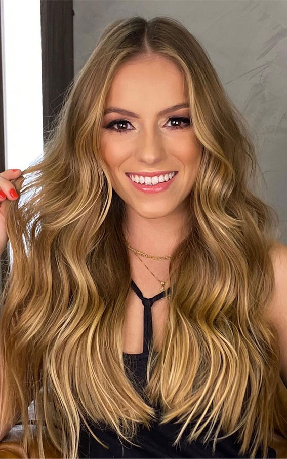 Gorgeous Hair Colour Trends For 2021 : golden honey