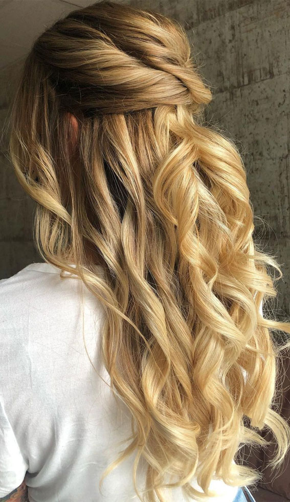 Trendy Half Up Half Down Hairstyles : Chignon Half Up